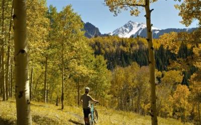 Video: Mountain Biking Colorado's Fall Season