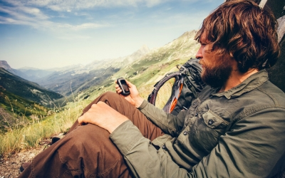 Dedicated GPS or Smartphone?